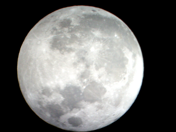 Full Moon photo (taken 2011-03-19, ca. 20:30 CET), may be one of my best yet